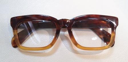 べっこうメガネ