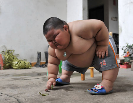image-4-for-three-year-old-chinese-boy-weighs-9st-gallery-701998926.jpg