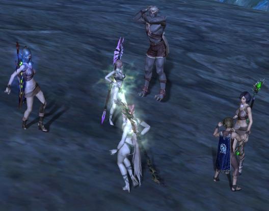 みんな脱いだ。踊った。