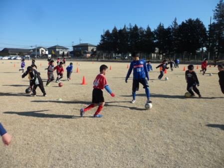 SAM_0110 ボールとり 飯田選手