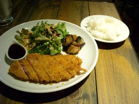 三味豚トンカツ定食