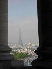 パンテオンから見たエッフェル塔とアンヴァリッド