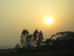 ハノイ近郊の夕日