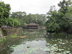 トゥドゥック廟 池