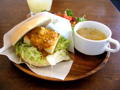 『LOWER EAST SIDE CAFE(ローワー・イーストサイド・カフェ)』の豆腐ミート