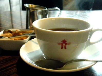 『カフェ リゴレット』の手長海老のトマトクリームソース