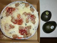 ディープディッシュピザ とアボカド