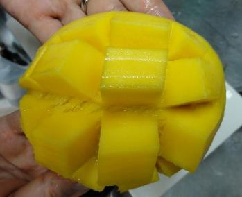 マンゴー切り方2