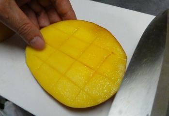 マンゴー切り方1