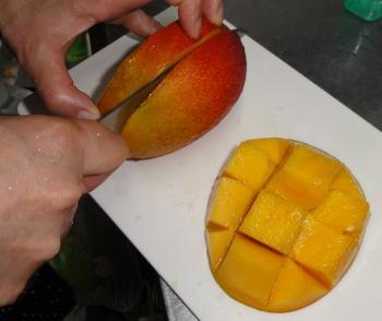マンゴー切り方