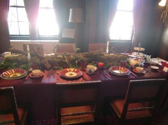 2.外交官テーブル