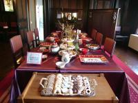 外交官・テーブル(ひき)