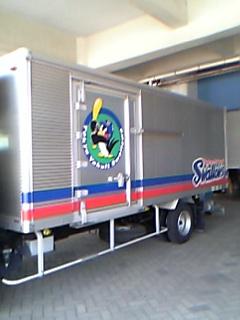 スワローズトラック