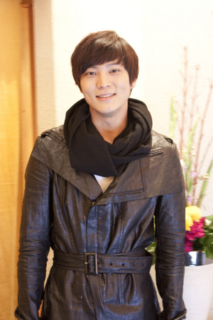Chuwon_web-thumb-300x450-524.jpg