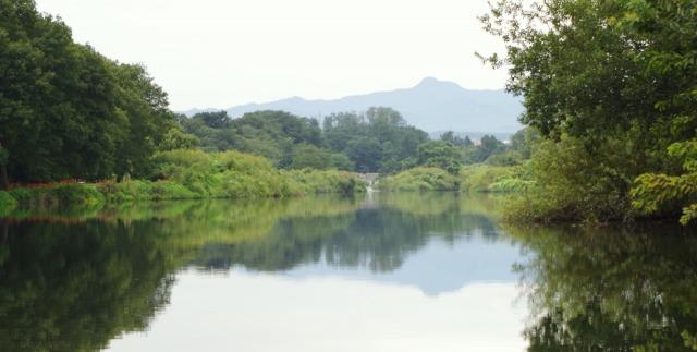 ☆IMGP0073逆さ大岳山 入間川