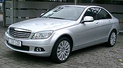 250px-Mercedes_W204_front_20071102ベンツ