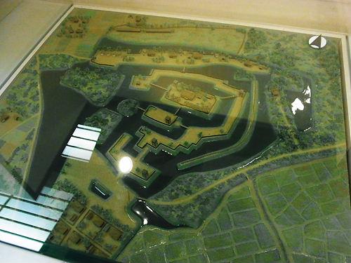 難波田城復元模型