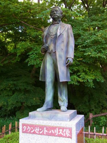 タウンゼントハリス像
