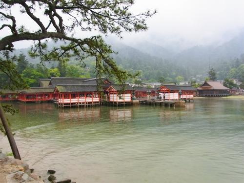 厳島神社遠景
