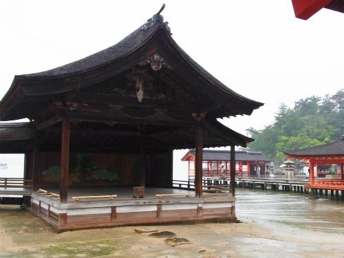 厳島神社神楽殿?