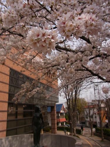 東松山図書館