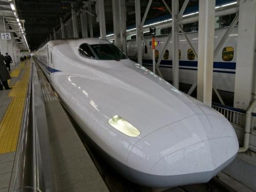 9新幹線 (1200x900)
