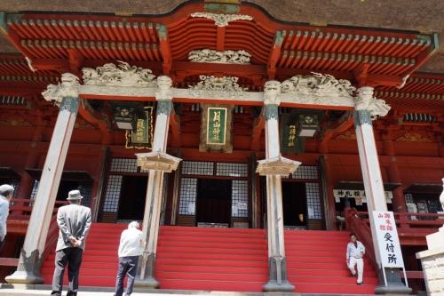 8拝殿 (1200x800)