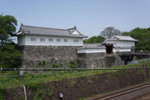 13東大手門 (1200x800)