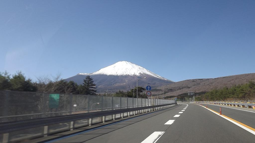 忍野村へ行く途中の富士山