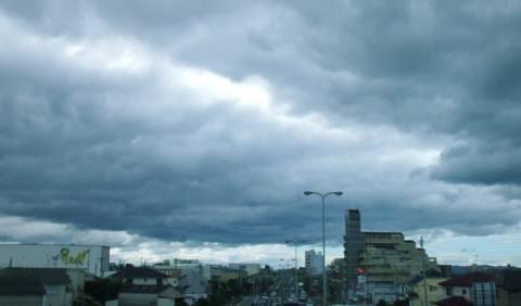 朝の雲480