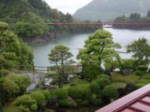 満木荘から眺める赤鉄橋