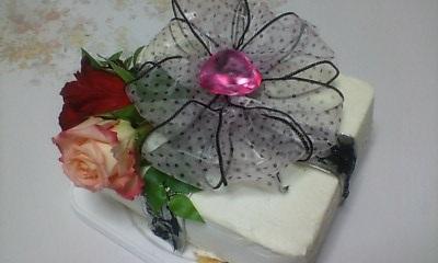 妹へ友達からのウエディングケーキ