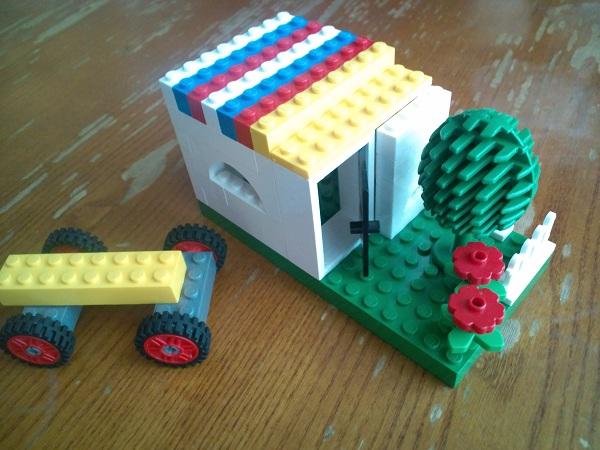 小さな家を建てたでしょうぉ・・・