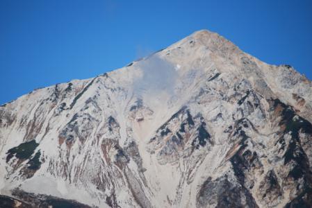 7582峰にかかる雲