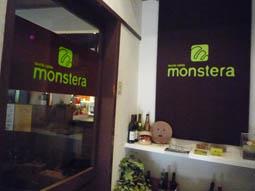 monstera2.jpg