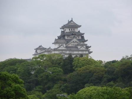 姫路文学館から見た姫路城