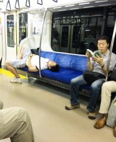 マナーのない乗客