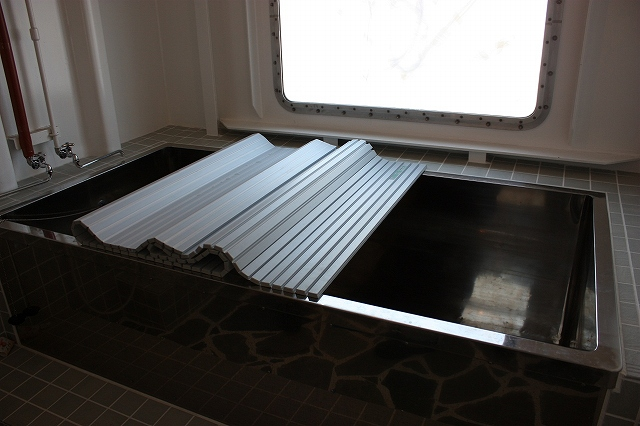 ビックサイズの風呂(3人入浴可?)