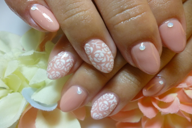 2013ネイルデザイン 秋色ベージュピンク ジャガード風バラ柄ネイル