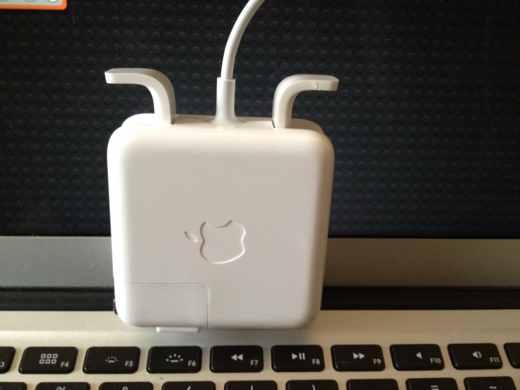 Macの充電器