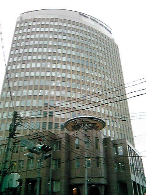 大宮法科大学院は(金がありそうな)きれいな建物でした。
