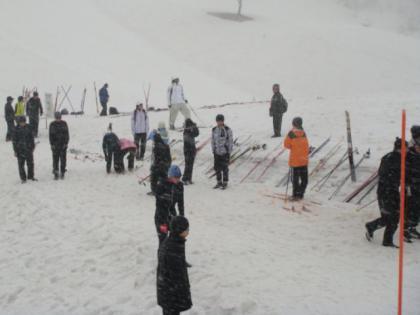 大雨のオジロ・スキー場最終日、スキー場祭り