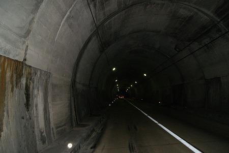 三重 夜トンネル