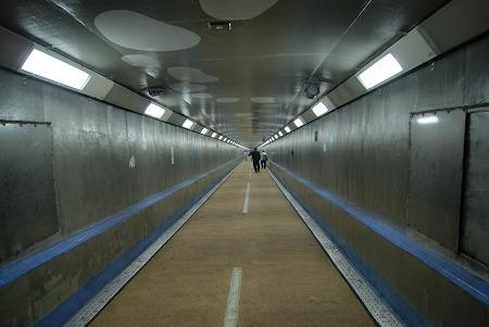 関門人道トンネル 中