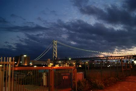 夜の明石大橋