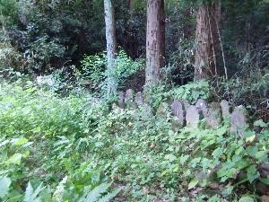 小手内観音堂04・石碑群