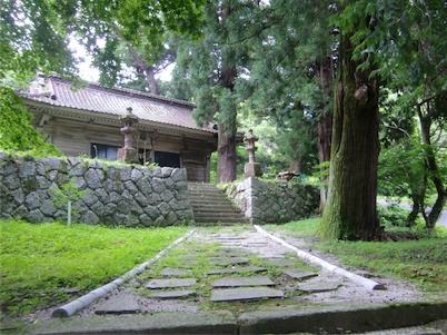 羽山神社・社殿下から