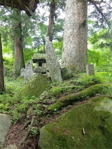羽山神社・蚕神など