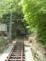 トンネルの向こうには・・・