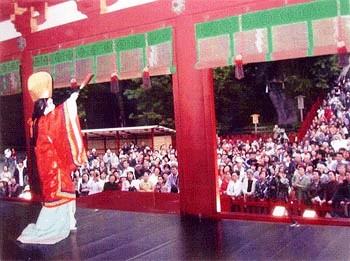 鶴岡八幡宮舞殿で披露された「静の舞」
